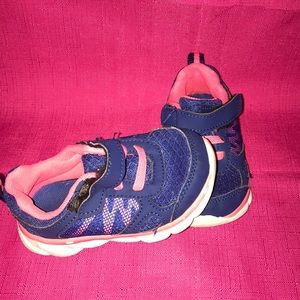 Other - Size 6 athletic shoes